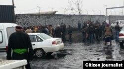 В Узбекистане люди выстраиваются в очередь за углем. Иллюстративное фото.