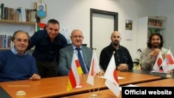 Дмитрий Медоев (третий слева) с членами парламента Сан Марино (архивное фото)