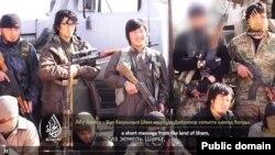 """Скриншот видеообращения """"казахского джихадиста в Сирии"""", размещенного 16 июля 2014 года на странице """"ВКонтакте"""". Иллюстративное фото."""