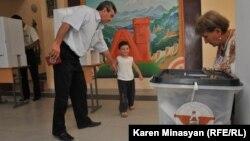 Выборы в Нагорном Карабахе (архив)