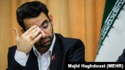 Iranian ICT minister Mohammadjavad Azari Jahromi (L) and A senior member of parliament Alaedin Boruoujerdi, April 09, 2018.