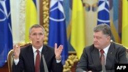 Presidenti Petro Poroshenko dhe Sekretari i NATO-së, Jens Stoltenberg, sot në Kiev.