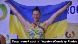 Олена Буряк здобула дві золоті нагороди та встановила два світові рекорди