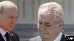 Президент Росії Володимир Путін та президент Чехії Мілош Земан. Червень 2014 року