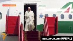 Armenia - Pope Francis arrives at Yerevan airport, 24June, 2016