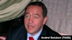Former Russian Media Minister Mikhail Lesin (photo: April 2006)