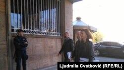 U posredovanje u dijalogu vlasti i opozicije u Srbiji uključili su se i poslanici Evropskog parlamenta (EP): EP poslanici Vladimir Bilčik i Tanja Fajon dolaze na sastanak vlasti i opozicije u Skupštini Srbije, 15. novembra 2019.