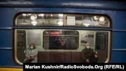 В Українізафіксували рекордну кількістьнових випадків COVID-19 – 689