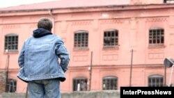 Народный защитник Грузии намерен просить президента о помиловании ителей Южной Осетии. Уча Нануашвили надеется, что освобождение осетинских заключенных подтолкнет руководство де-факто республики к тому, чтобы освободить осужденных в Цхинвали грузин