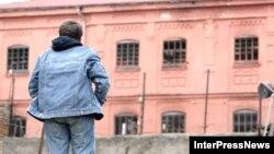 Родственники опасаются за жизнь осужденного. Следователи обещали, что «живым Абаев оттуда не выйдет»