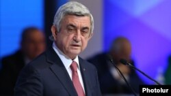 Armenia - President Serzh Sarkisian addresses a congress of the ruling Republican Party in Yerevan, 26Nov2016.