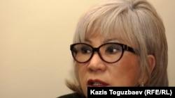 Guljan.org сайтының редакторы Гүлжан Ерғалиева. Алматы, 1 қараша 2011 жыл.