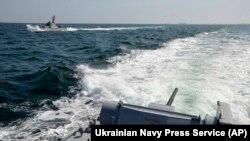 Воєнний стан в Україні введено після агресії Росії на морі