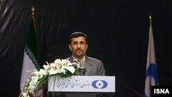 محمود احمدی نژادگفته شرط پذیرش پروتکل الحاقی را نمی پذیرد