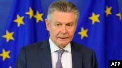 ЕО-ның сауда жөніндегі комиссары Карел де Гюхт.