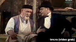 Фрагмент спектакля театра им. Г.Камала. В роли Альмандара – Шаукат Биктемиров.