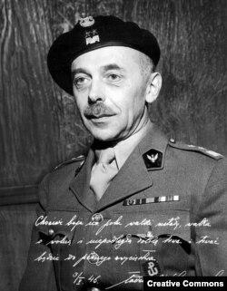 Генерал Тадеуш Бур-Коморовский, главнокомандующий АК в 1943-44 годах