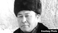 """Камел Жунистеги - писатель, диссидент, лидер партии """"ЕСЕП"""". (Фото из личного архива)."""