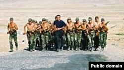 Ադրբեջանցի զինվորները վարժանքների ժամանակ, արխիվ