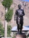 Муҷассамаи Шириншо Шотемур дар Хоруғ. Соли 2009