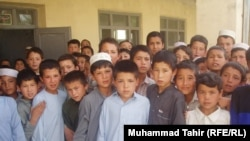 A group of students in Tarbuz Guzar, Afghanistan