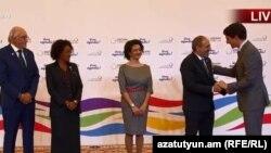 Премьер-министр Армении Никол Пашинян встречает премьер-министра Канады Джастина Трюдо, Ереван, 11 октября 2018 г.