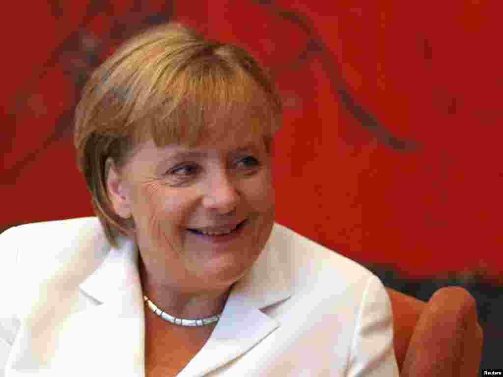 1. Германия канцлеры Ангела Меркель (57)