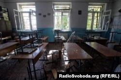 Клас 57-ї школи після обстрілу з установок «Град»