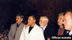 На фото: Гафур Рахимов (второй слева), актер Вахтанг Кикабидзе и Салим Абдувалиев.
