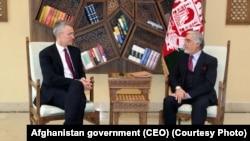 عبدالله عبدالله رئیس اجرائیه افغانستان و ینس ستولتنبرگ منشی عمومی ناتو