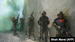 افغان سرتېري د عملیاتو پرمهال- ارشیف