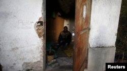Jedan od azilanata u neuslovnom smeštaju u Srbiji, 23. novembar 2013.