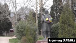 Пам'ятник Тарасу Шевченку в Ялті. 9 березня 2018 року