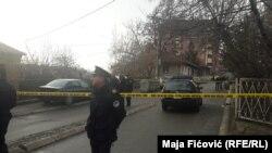 Policija na uviđaju na mestu gde je pucano na kosovskog političara