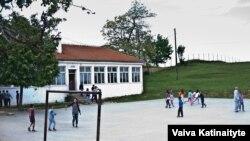 Osnovna škola u Busavateu koju je Maliqi pohađao prije odlaska u medresu.