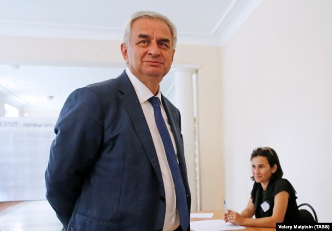 Рауль Хаджимба, президент сепаратистського регіону Абхазія іде у відставку