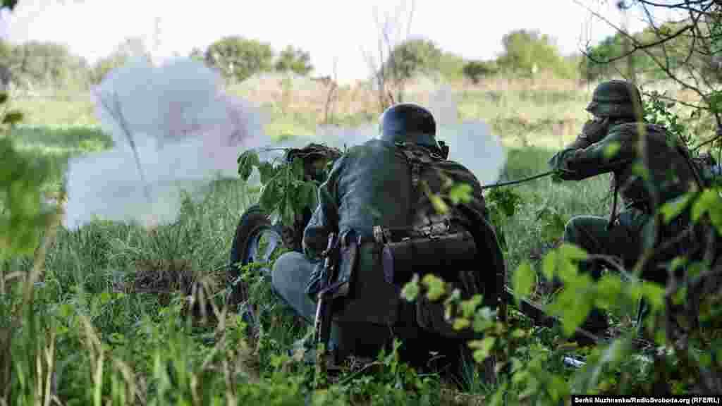 Постріл з німецької протитанкової рушниці