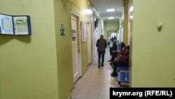 В коридорах поликлиники Первой городской больницы Севастополя