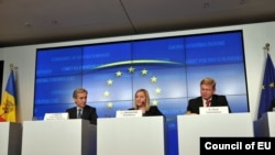 Iurie Leancă, Lucinda Creighton, ministru de stat irlandez pentru afacerile europene și Stefan Füle, ieri la Luxemburg
