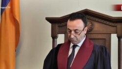 ԱԱԾ են հրավիրվել ՍԴ նախագահ Հրայր Թովմասյանի դուստրերը և հայրը