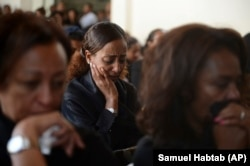 Familjarët e viktimave që pësuan nga fluturimi
