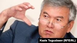 """Рахман Алшанов, """"Тұран"""" университетінің ректоры. Алматы, 7 қыркүйек 2010 жыл."""
