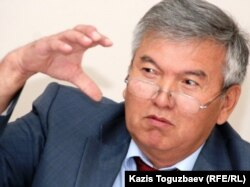 Ректор университета «Туран» Рахман Алшанов. Алматы, 7 сентября 2010 года.