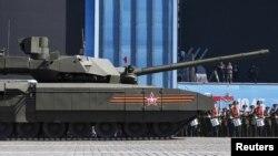 Російський танк «Армата»