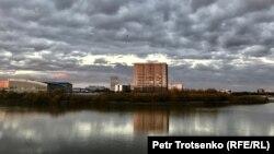 Вид на реку Урал в Атырау. 11 ноября 2017 года.