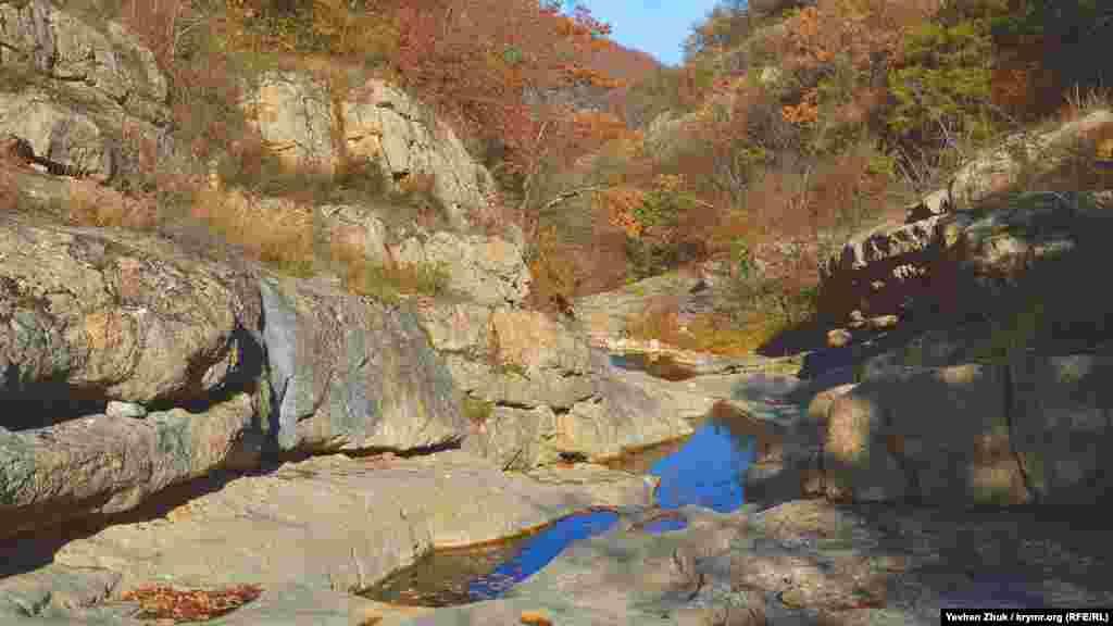 Золотая осень в Розовом каньоне