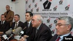 Müxalifət liderləri prezident seçkisindən dərhal sonra bir arada, 16 oktyabr 2011