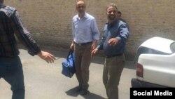 احمدزیدآبادی، پس از تحمل شش سال حبس، از زندان به به گناباد تبعید شد