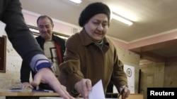 Քվեարկություն Երեւանի ընտրատեղամասերից մեկում