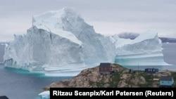 Grenlandiya hamda g'arbiy Antarktidadagi muz qatlamlari 2005 yildan beri yiliga 430 milliard tonna massa yo'qotib kelmoqda.